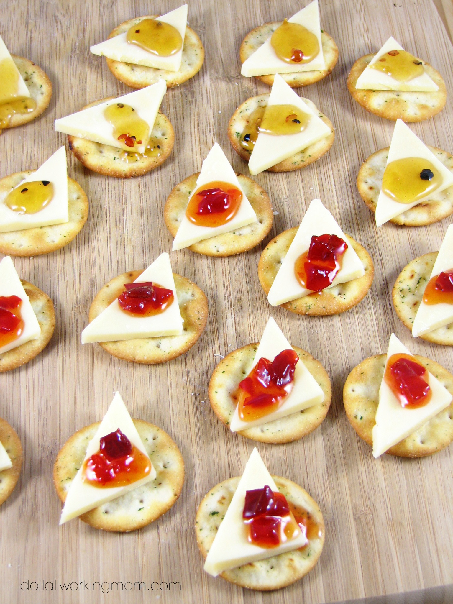 Aged Cheddar and Jelly Appetizers