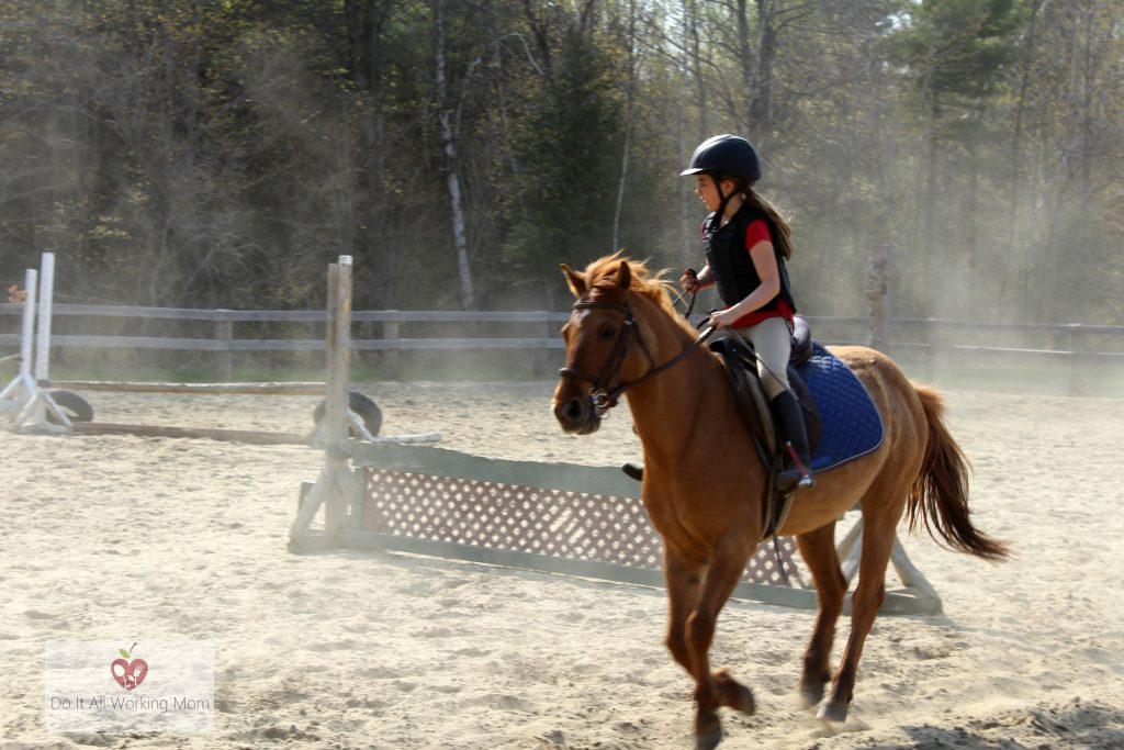Benefits horseback riding for kids
