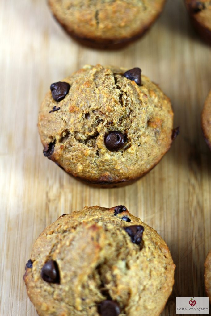 banana-chocolate-chip-muffins-do-it-all-working-mom-2