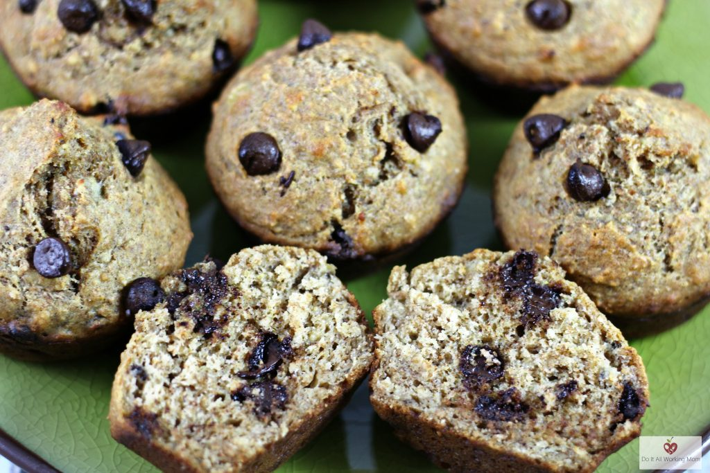 banana-chocolate-chip-muffins-do-it-all-working-mom-3